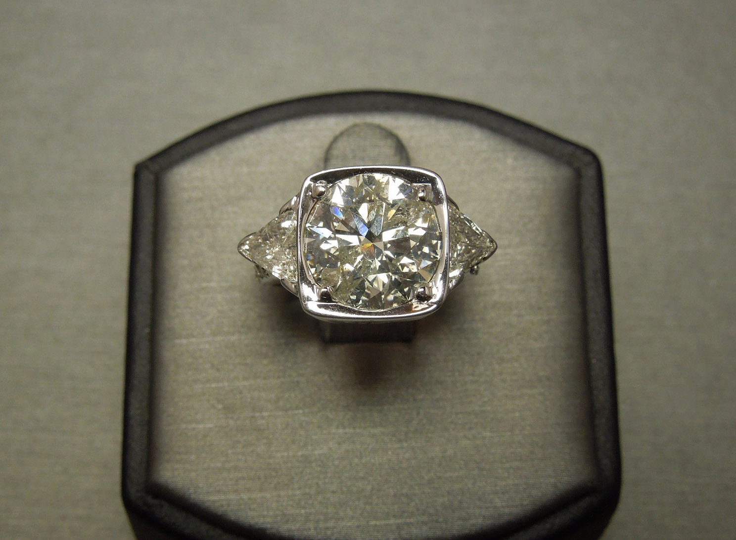 cut half finger ring halo products on rings pear carat artemer diamond with engagement