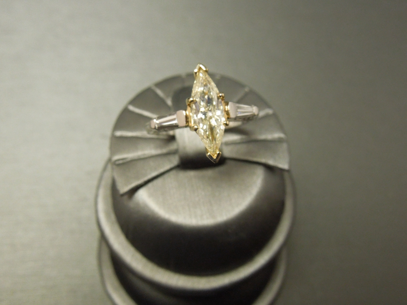 fancy ring yellow gia radiant diamond rings jewelry b canary cut nice index loose