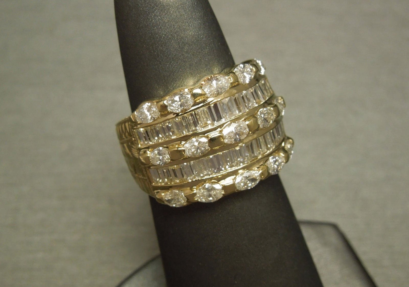 Vintage Egyptian 475TCW Diamond Cigar Band Ring 14K